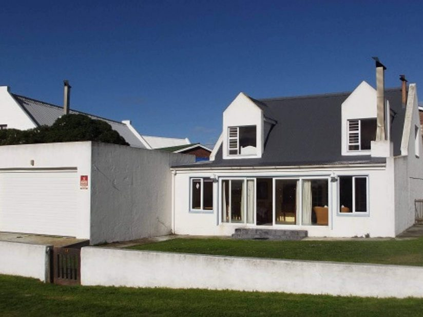 Arniston Holiday Accommodation Self-catering holiday homes - Arniston Letting Elza Se Huisie